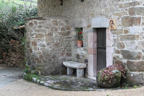 Un baño de Ca María Santa