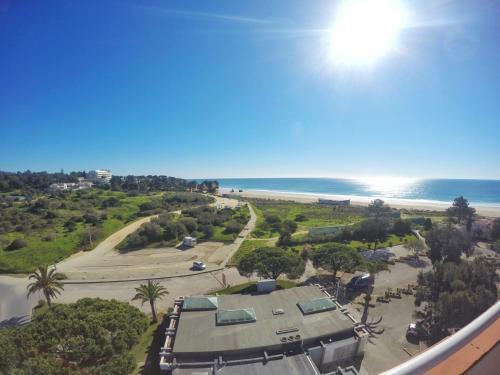 Skats uz naktsmītni Pestana Alvor Atlantico Residences Beach Suites no putna lidojuma