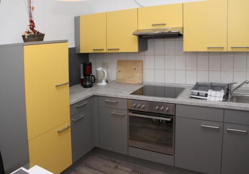 Küche/Küchenzeile in der Unterkunft Weinstube Schwarzamsel