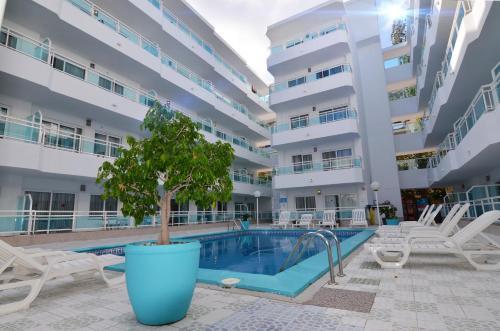 The swimming pool at or near Apartamentos Playa Sol I
