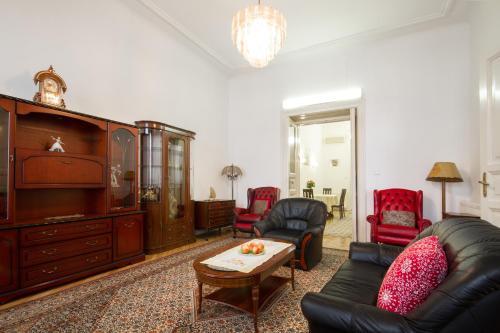 Posedenie v ubytovaní Historical Center Apartment