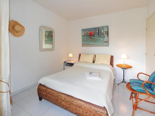 A bed or beds in a room at Le Corail Five stars Holiday House