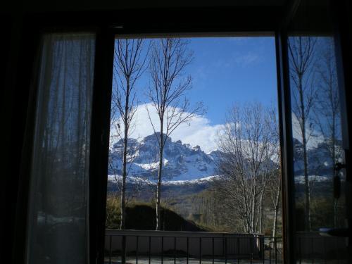 Общий вид на горы или вид на горы из апартаментов