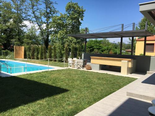 Πισίνα στο ή κοντά στο Aristotelia Gi