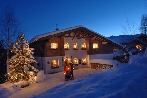 Haus Lukasser im Winter