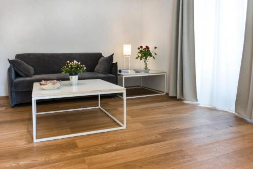 A seating area at 00192 luxury apartment