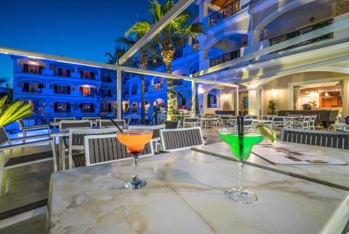 Zante Atlantis Hotel餐廳或用餐的地方