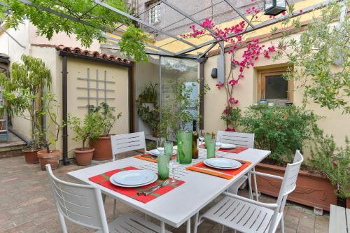 Restaurace v ubytování Monti Roof Terrace