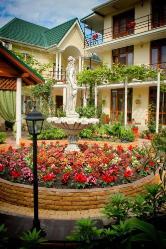 Сад в Гостевой дом Акварель