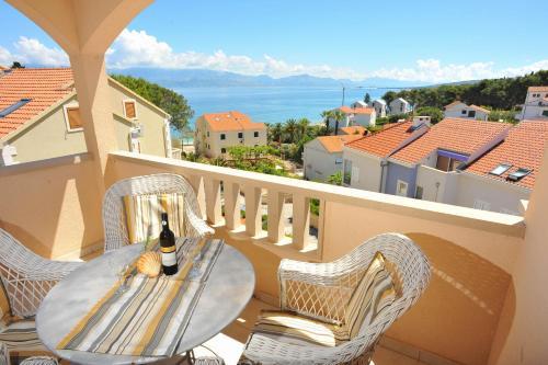 A balcony or terrace at Apartment Dalmatia