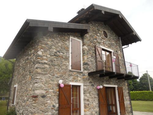 The facade or entrance of Villa Giardino Ulivo