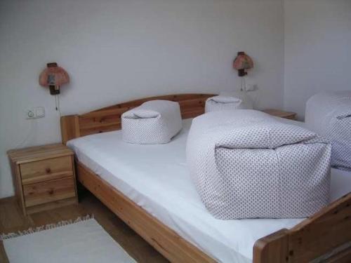 Ein Bett oder Betten in einem Zimmer der Unterkunft Haus Dreiländerblick