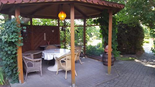 Ein Patio oder anderer Außenbereich in der Unterkunft Storchennest