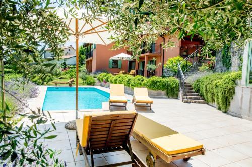 Вътрешен двор или друго открито пространство в Zoi Apartments