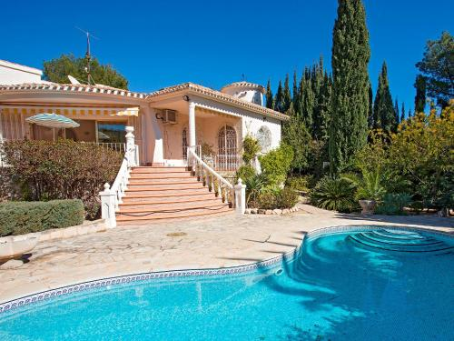 The swimming pool at or near Villa L'Estornell