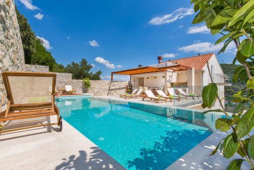The swimming pool at or near Apartments Villa Boban