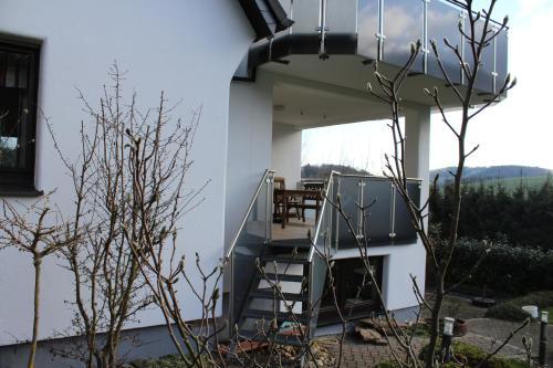 A porch or other outdoor area at Ferienwohnung Allendorf