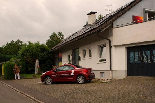 Eine Fassade oder ein Eingang zu Avantgarde Living
