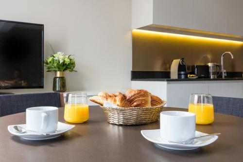 Breakfast options available to guests at Milestay - Halles