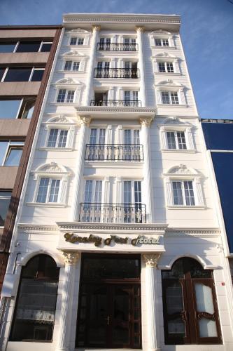 Fasadas ar įėjimas į apgyvendinimo įstaigą Karakoy Port Hotel