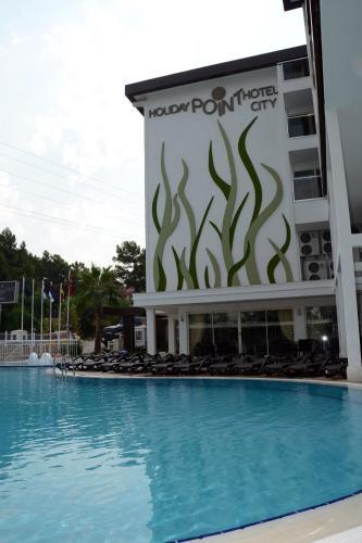 Bassein majutusasutuses Holiday City Hotel-All Inclusive või selle lähedal