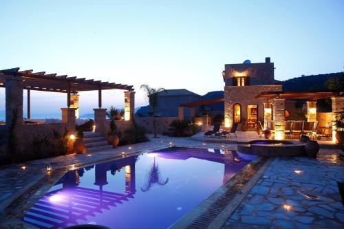 Het zwembad bij of vlak bij Olympia Villas