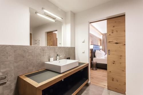 A bathroom at Hubertus Logis Apartments