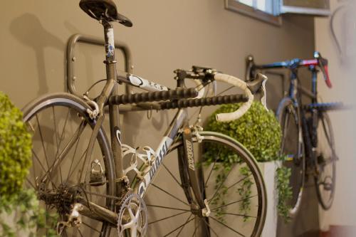 Ciclismo en RC Apartaments Girona Llebre o alrededores