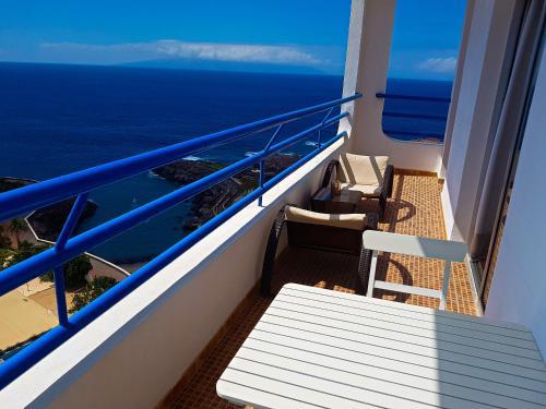 Ein Balkon oder eine Terrasse in der Unterkunft Apartments Paraíso del Sur