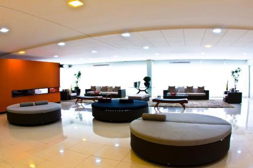 The lobby or reception area at Veredas do Rio Quente