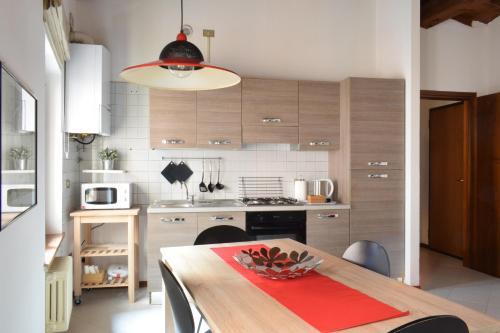 A kitchen or kitchenette at Filippini 24