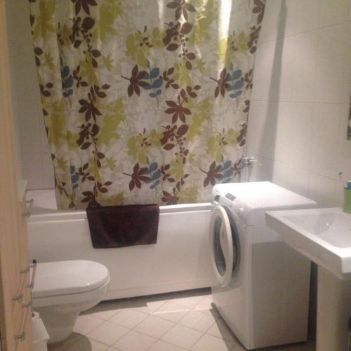 Kylpyhuone majoituspaikassa Liivaoja Apartment