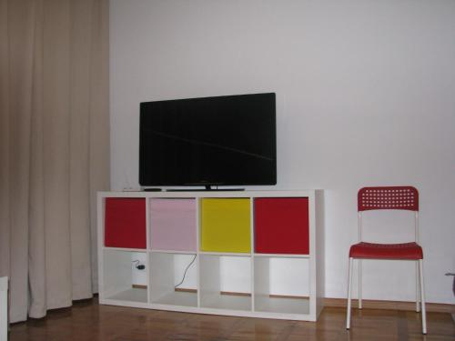A television and/or entertainment centre at Apartment Elena