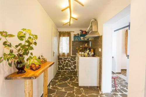 A kitchen or kitchenette at The House