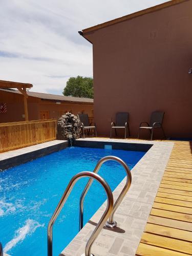 The swimming pool at or near Vicuña Lodge