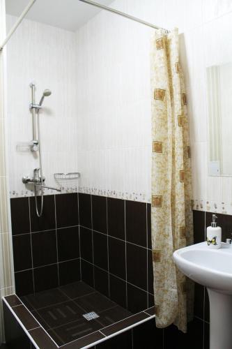 A bathroom at Avesta
