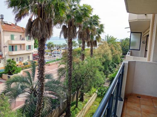 A balcony or terrace at Apartment Le Magellan.2