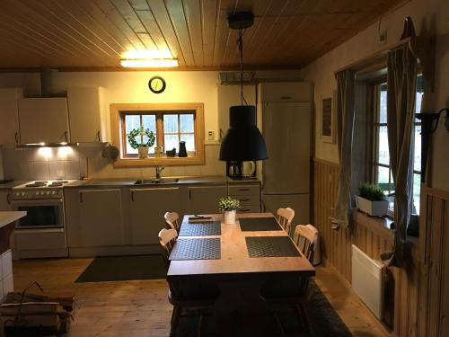 A kitchen or kitchenette at Tutstadholmen