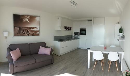 A kitchen or kitchenette at StudioWestdiep