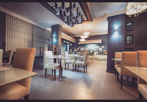 Ресторан / где поесть в Crystal Suites