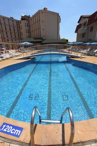 Het zwembad bij of vlak bij Hotel Aurora - All inclusive