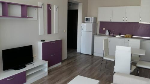 A kitchen or kitchenette at Sorrento Sole Mare
