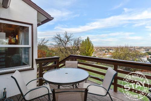 A balcony or terrace at Cozy Casa Blanca 2448