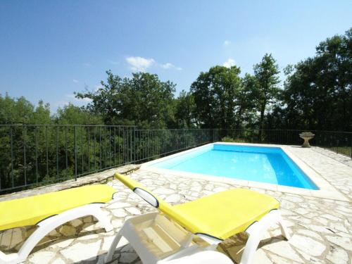 The swimming pool at or near Modern Holiday Home in Florimont-Gaumier with Private Pool