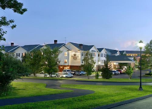 住宿 哈特福德頓希爾頓惠庭套房酒店 2 Farm Glen Boulevard, 法明頓, CT 06032, 美國