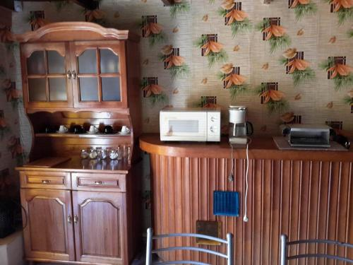 A kitchen or kitchenette at Holiday Home in Ezerets Village