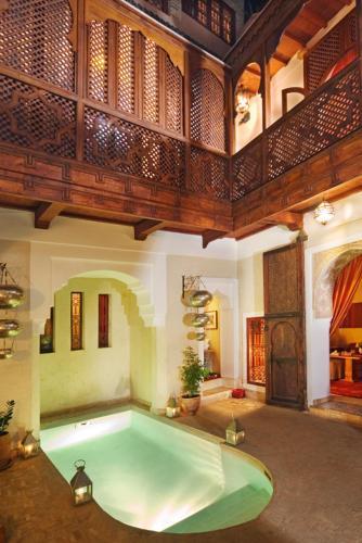 Der Swimmingpool an oder in der Nähe von Riad Zolah