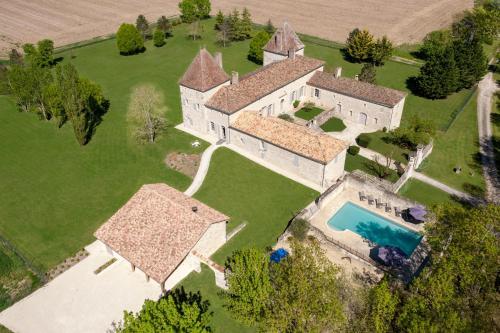 A bird's-eye view of Chateau Secretary
