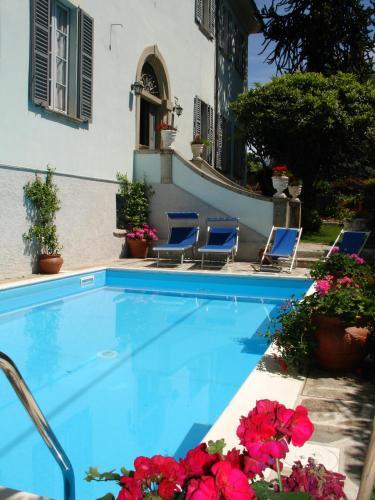 Der Swimmingpool an oder in der Nähe von Villa Annamaria B&B