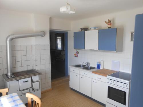 Küche/Küchenzeile in der Unterkunft Ferienhaus Anna